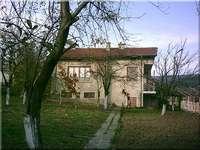 Двуетажна къща до Велики Преслав